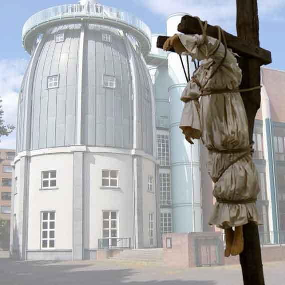 Bonnefantenmuseum schaft kunstwerk Galgenfeld van Paloma Varga Weisz aan