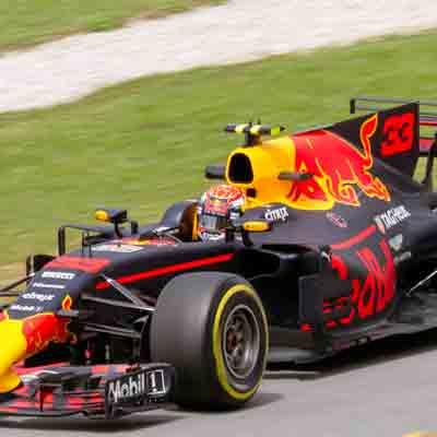 Racen als Max Verstappen in Leisure Dome Kerkrade